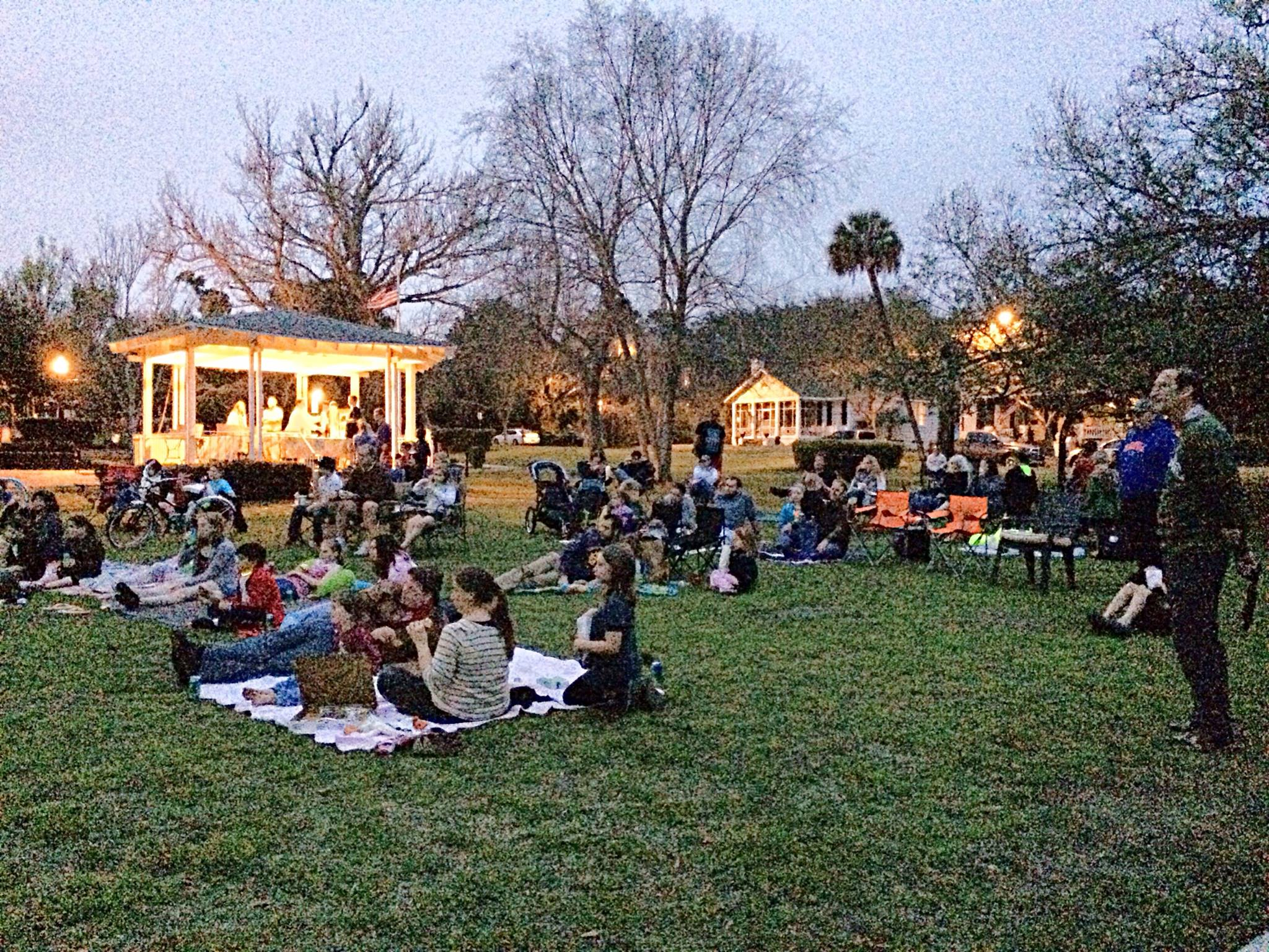 Cinema on the Green in Alabama Square