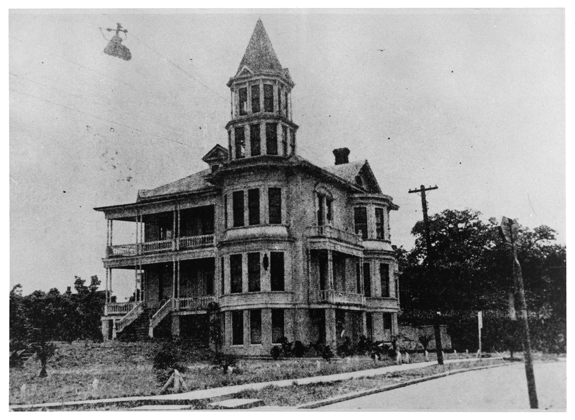 HIstoric Dr. James S. Herron Home - Formerly at 519 N. Palafox Street - Built 1884